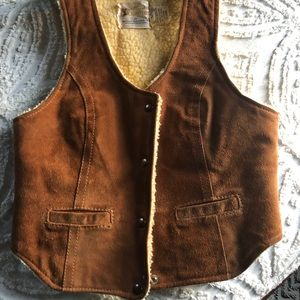 Jackets & Blazers - Amazing vintage shearling vest 👁👁